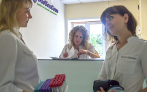 gallery_clinic_We_work_productively_because_cohesively